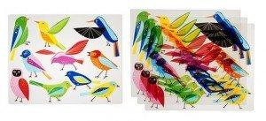 Des oiseaux sur la table lumineuse dans Table Lumineuse klistrig-set-de-table__0132092_PE286845_S41-300x137