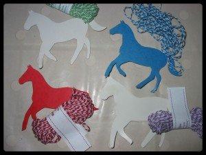 Petits chevaux et Baker twine dans Les jum bricolent montage21-300x225