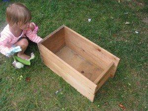 Un caisson transformé en lit pour bébé dans Home made pour elles 9septembre12-097-300x225
