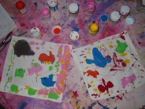 Un petit sac réalisé avec de la peinture sur tissu dans DIY Couture pour débutante 27octobre-1121-300x225