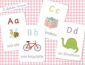 DIY abécédaire avec du masking tape dans Apprendre en s'amusant french-alphabet-flash-cards-300x228