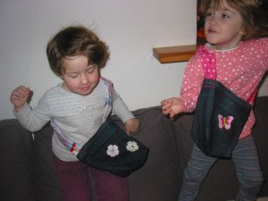 Décoration de petits sacs en Jean dans DIY Couture pour débutante 19janvier13-039-300x225