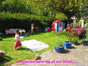 Aménagement du petit coin Dinette dans le jardin dans Déco pour les filles jardin3mai-006-300x225